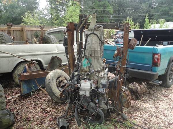 1991 FORD 460 ENGINE AND TRANSMISSION - $700 (COVINGTON)