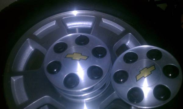4- 2011 Chevy Tahoe rims with tires - $600 (Slidell)
