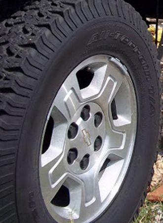 Chevy Z71 OEM 17 Rims BFG All-Terrains - $600 (United States)
