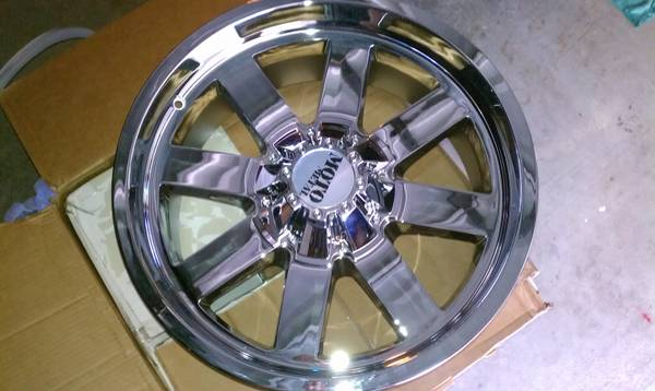 New Moto Metal 962 20x9 8 Lug Wheels GMC Chevy Dodge 2500 HD Hummer H2 - $800 (Belle Chasse)