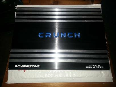 Crunch 1100 watts -2 channel bridge Hifonics 2-12 subs dual voic - $250 (new orleans)