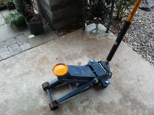 NAPA 3 12 TON Jack still under warranty - $280 (Metairie)