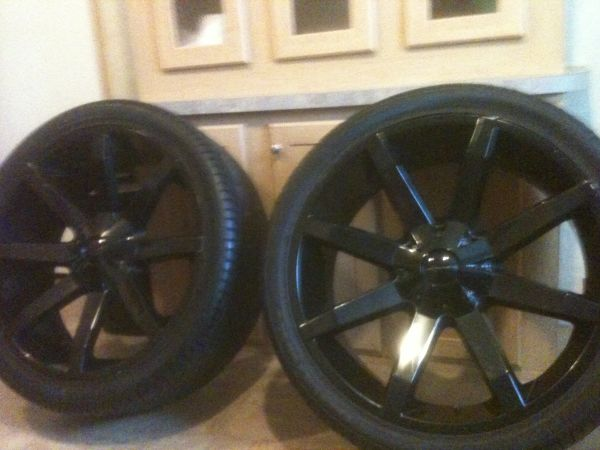 24 kmc slides gloss black new tires 1400$