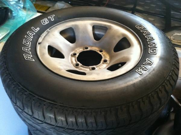 Toyota tacoma rims and tires - $420 (Kenner)