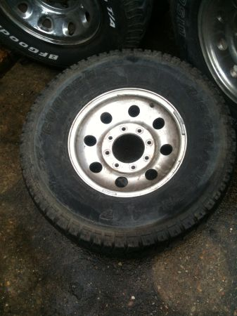 6 ford f250 rims 16in - $150 (New Orleans)