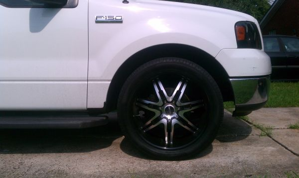 22 inch Onyx Black Machined Rims and Tires $1200 - $1200 (Kenner,La)