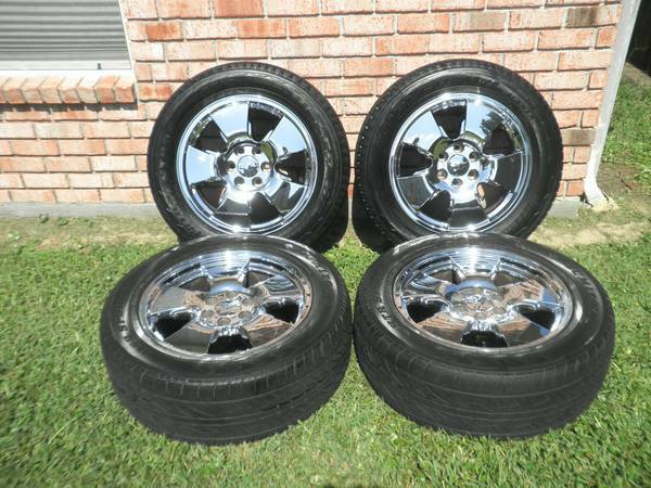 Factory ChevyGMC 20 Rims - $825 (Kenner)