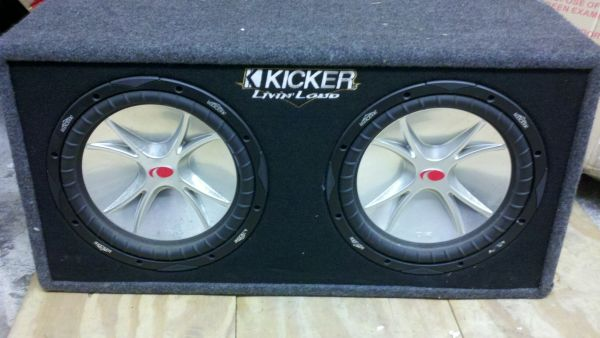 12 Inch Dual Kicker Subwoofers with Box - $200 (New Orleans )