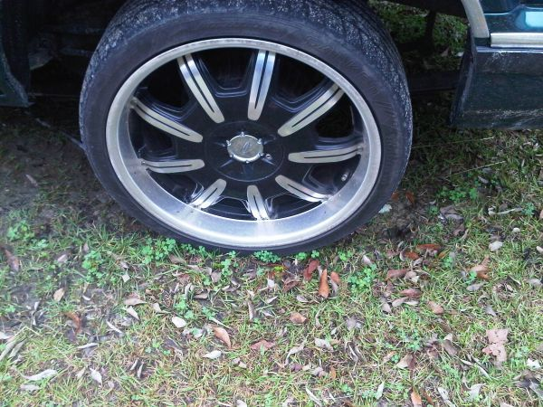 BLACK SILVER 20 INCH RIMS - $300 (PEARL RIVERSLIDELL)