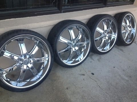 22 inch bentchi rims with lexini tires 5 lug universal - $800 (Harvey 70058)