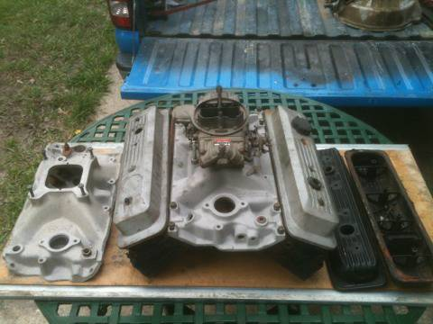 SBC Vortec 906 heads intakeGSXRt5Holley 750 parts - $1 (Slidell)