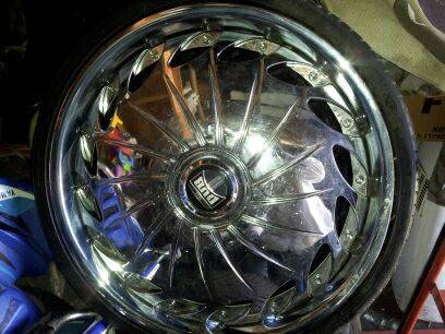 22 rims floaters - $800 (Metairie )