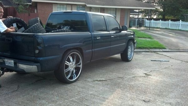 Chrome 26 rims with tires  chevy silverado - $1500 (Belle chasse)
