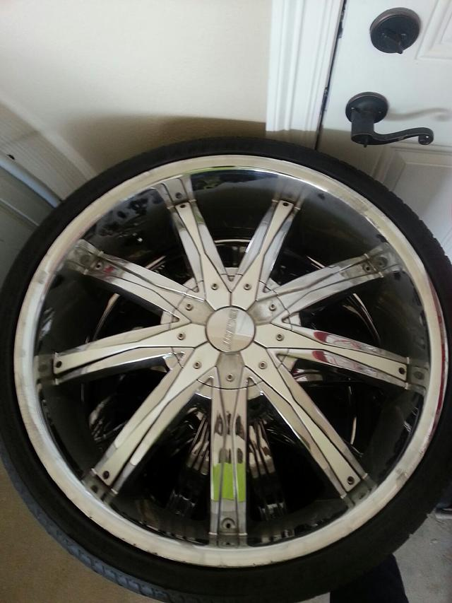 $625, DCENTI DW-29 Rims and tires for sale