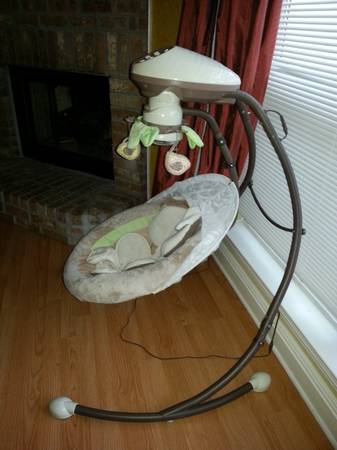 like new baby swing and bouncy seat.  used boppy pillow with cover - x002470 (Mandeville)