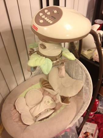 Fisher Price My Little Snugabunny Cradle n Swing - $90 (metairie)