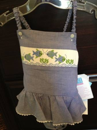 Smocked clothing - NWT - $1 (Lakeview)