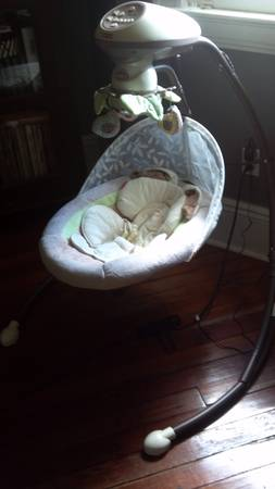 Fischer-Price My Little Snugabunny Cradle n Swing - Like New - $70 (Broadmoor, New Orleans)