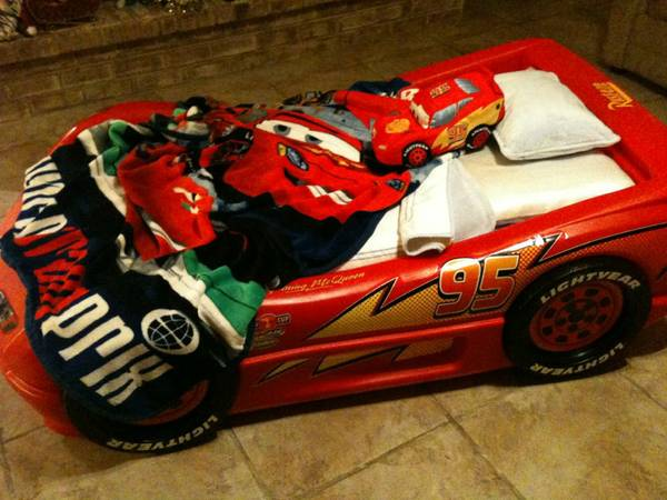 Lightning McQueen Car Bed - $150 (New Orleans)