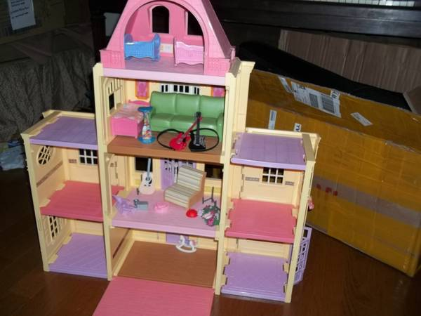 Fisher Price Loving Family Twin Time Dollhouse Grand Mansion - $30 (Slidell)