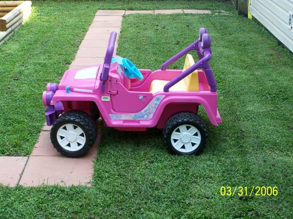 Power Wheels 12-volt Barbie Jeep for sale - $150 (Slidell)