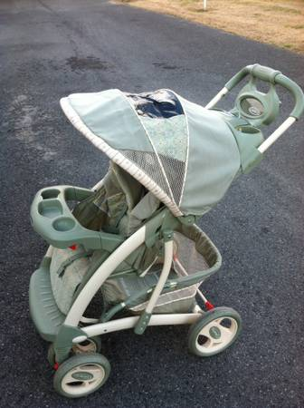 Graco Quattro Tour Deluxe Stroller and Bunting - x002460 (Belle Chasse)