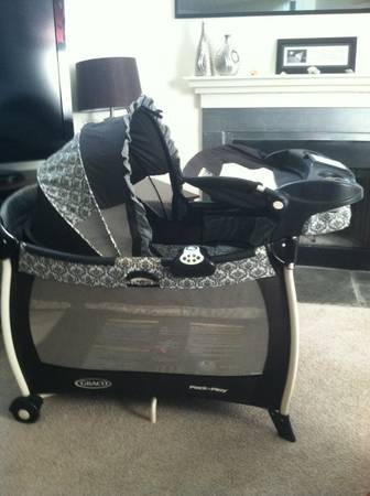 Graco Silhouette Pack n Play Rittenhouse - $125 (Elmwood, LA)