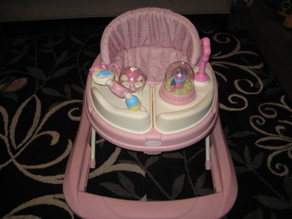 Girl baby Items - $1 (norco)