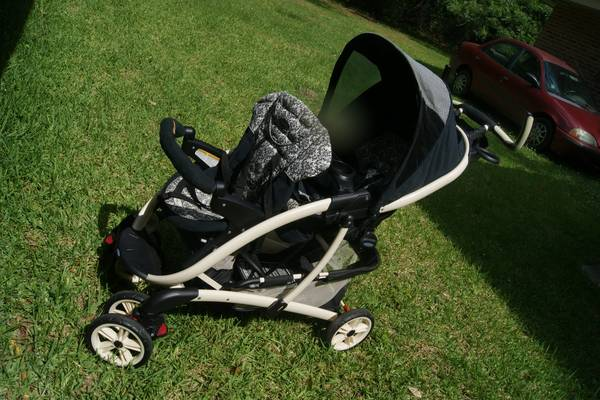 Graco Quattro Tour Duo Classic Connect Double Stroller - $80 (Hammond, LA)