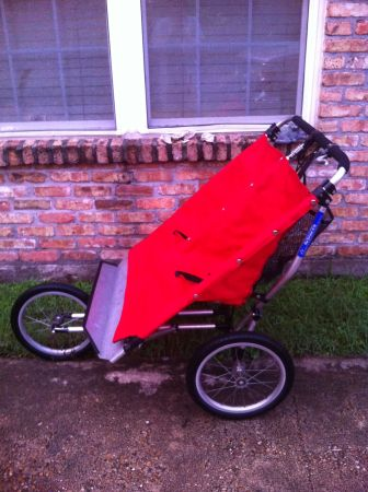 BABY JOGGER TW STROLLER - $150 (METAIRIE)