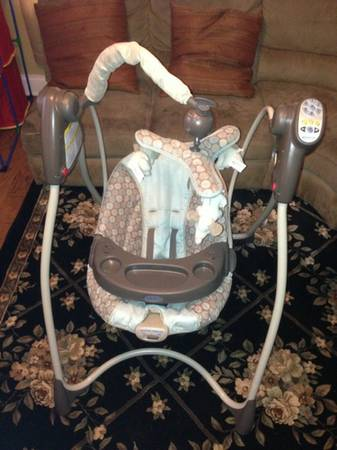 Graco light blue polka dotelephant swing - $50 (LaPlace)