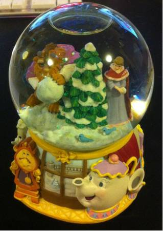 Disney39s Beauty  the Beast Snow Globe - $15 (Terrytown)