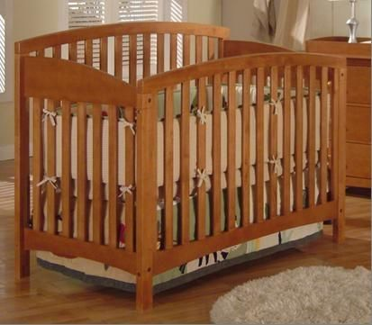 Americana 4-in-1 Crib by Jardine PecanNatural Wood Mattress - $150 (gretna)