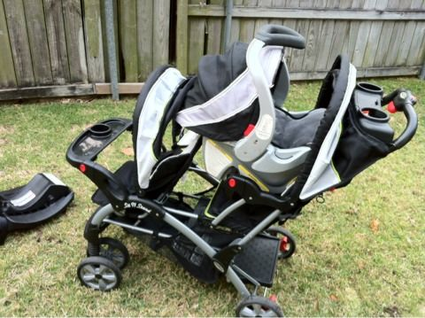 Baby trend sit n stand stroller plus infant seat with base - $150 (Metairie)
