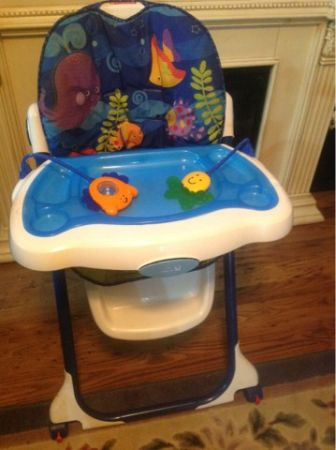 Fisher Price Highchair - $25 (LaPlace)