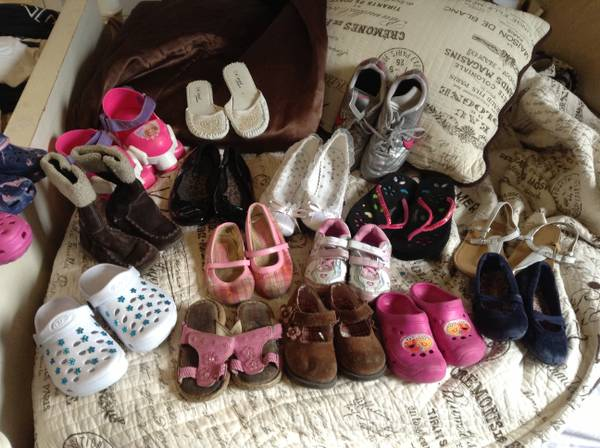 Kids shoes  clothes - $1 (Slidell)