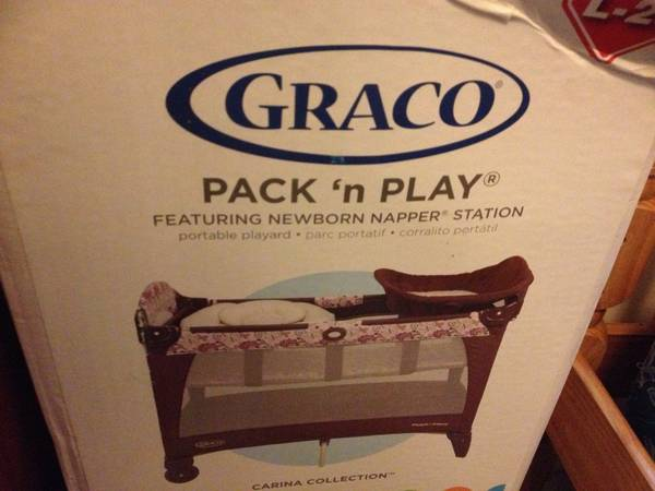 Graco Pack N Play For baby girl - $40 (St. Rose )