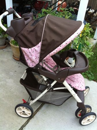 Graco full Baby Stroller pink brown - $40 (New Orleans Lakeview)