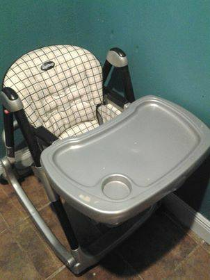 Peg Perego Prima Pappa Rocker High Chair - $75 (new orleans)