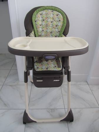 TOYS HIGH CHAIR TODDLER BED ETC... - $1 (GRETNA)