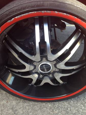 24 in onyx rims for sale or trade for universal 22s 5 lug (Harvey)