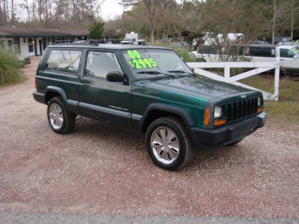 2000 JEEP CHEROKEE SPORT -BLOWOUT SALE - VISIT OUR WEBSITE - x00242495 (LACOMBE)