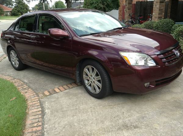 PRICED TO SELL 2006 Toyota Avalon Limited - $11995 (WESTBANK)