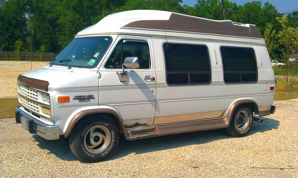 1995 CHEVY G20 HOLIDAY COACH CONVERSION VAN - $2000 (ACE AUTO SOURCE)