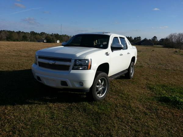 2007 Chevy Avalanche Regency - $26000 (Picayune, MS)