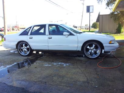 94 caprice on 22s price drop all trades considered - $3900 (metairie)