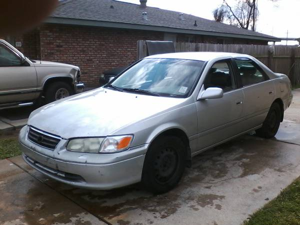 2000 toyota camry - $1300 (westbank(new orleans)