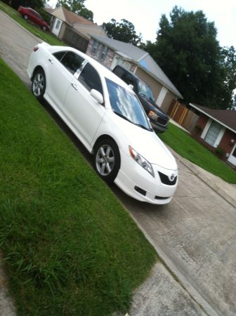 2009 toyota camry $12,500 75000 miles  - $12500 (westbank)