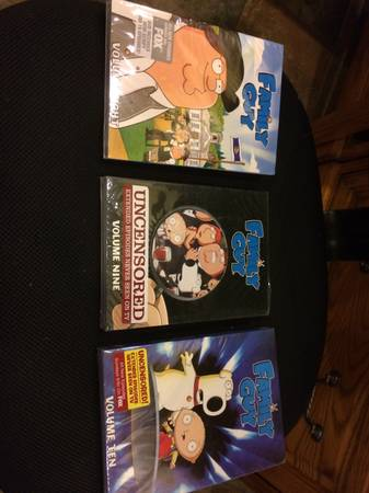 Family guy DVD set Season 1-10 NewUsed - $150 (madisonville)