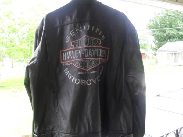 HARLEY DAVIDSON LEATHER JACKET - $200 (ARABI)
